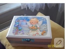 Seda'nın melekli ahşap kutusu