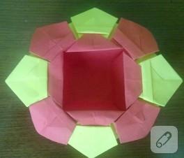 Kırmızı sarı renkte origami sepet