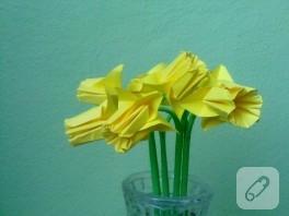 Origami nergis çiçeği