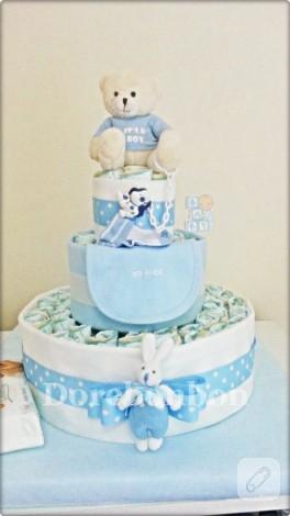 Oyuncaklı bez bebek pastası