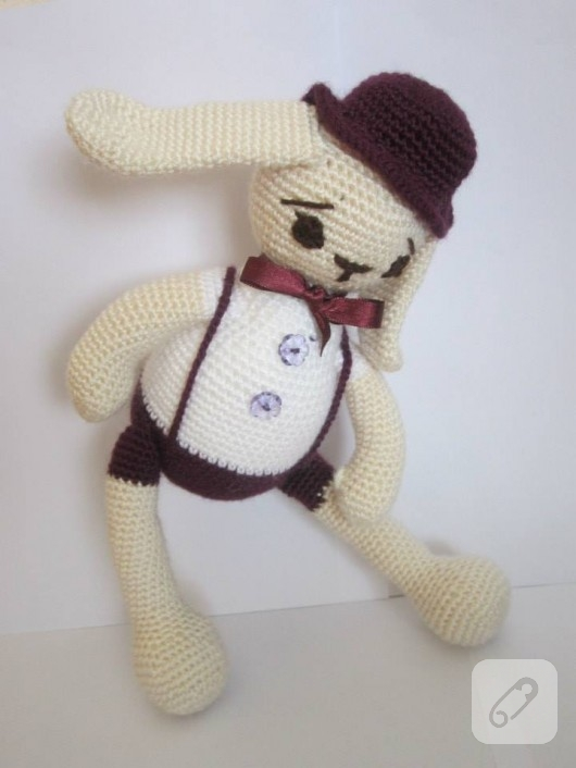 amigurumi oyuncak tavşan