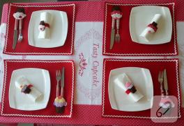 Cupcake aplikeli keçe amerikan servis ve peçetelik