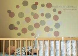 Bebek odası duvar çıkartmasını kendin yap