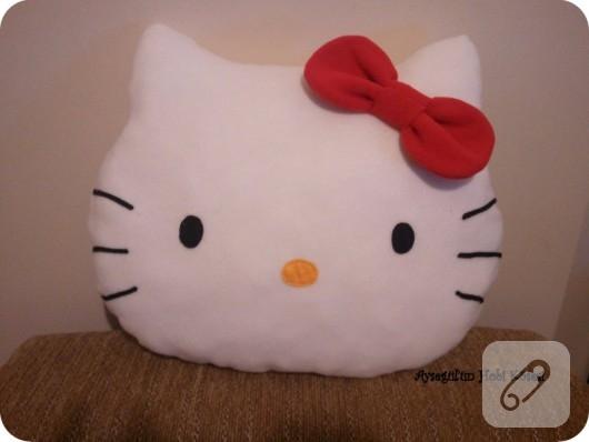 Hello Kitty yastık