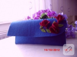 Çıtçıtlı mavi keçe cüzdan