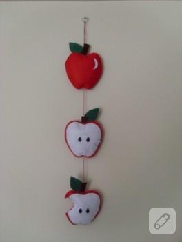 Keçe kırmızı elmalar ve duvar süsü
