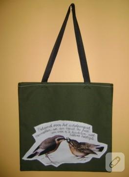 Yeşil kanvas çanta
