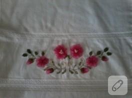 Kurdele nakışlı çiçekli havlu