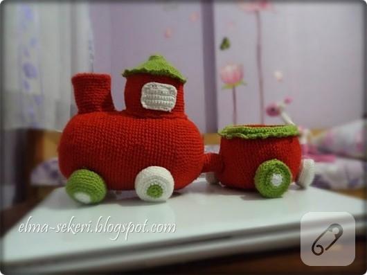 Amigurumi oyuncak tren