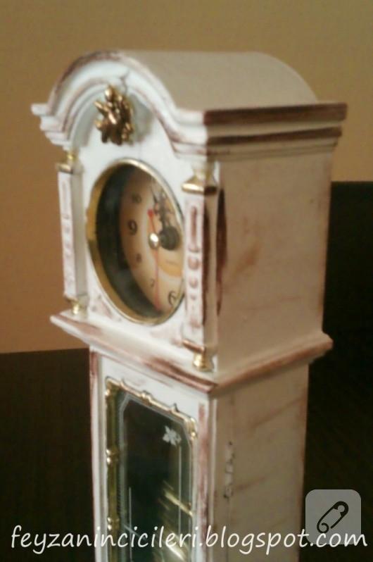 antik-eskitme-yapilmis-saat