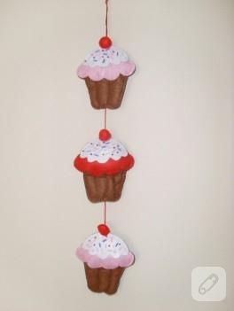 Keçeden iştah açıcı cupcake'ler