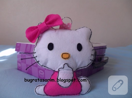 hello kitty keçe oyuncak