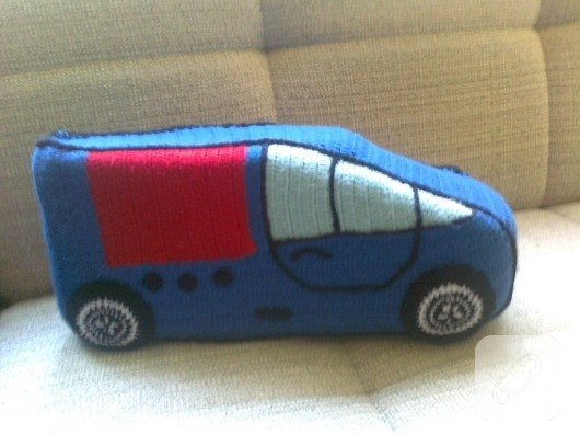 Örgü oyuncak araba