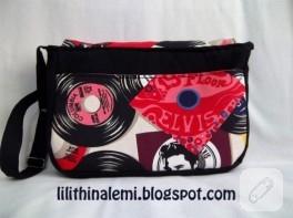 Plak temalı postacı çantası