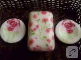 Sabun süsleme, çiçekli peçete dekupaj