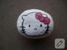 Hello Kitty'li taş boyama