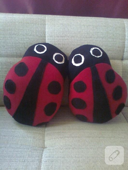Uğur böceği yastık