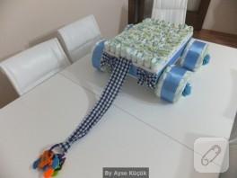 Bebek Hediyelikleri mavi arabalı bez pasta
