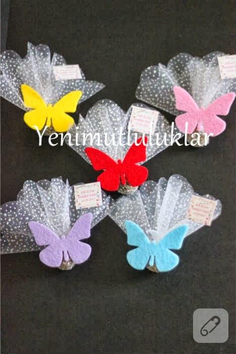 Kelebek süslemeli lavanta keseleri
