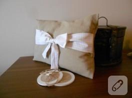 Fiyonk süslemeli lavanta yastığı