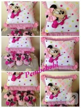 Minnie Mouse bebek takı yastığı