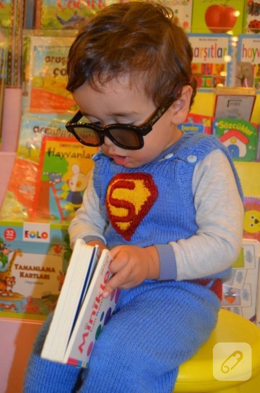 Örgü Süperman kostümü