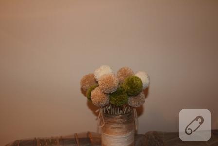 Ponpondan dekoratif demet