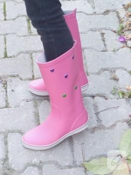 Basit bir ayakkabı süsleme önerisi