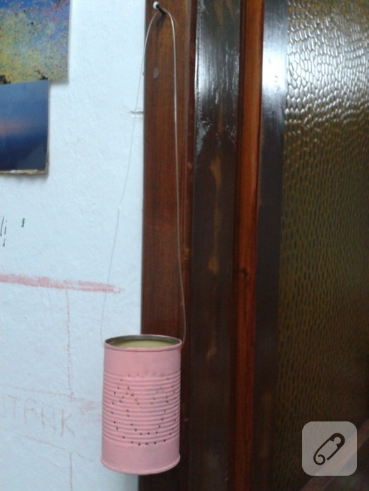 Konserve kutusundan mumluk