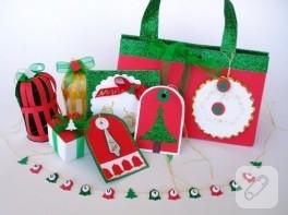 Yeni yıl süslemeleri ve hediye paketi