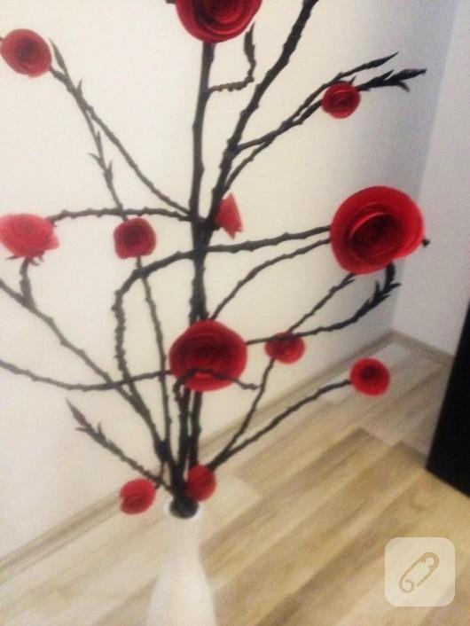 Kartondan dekoratif güller