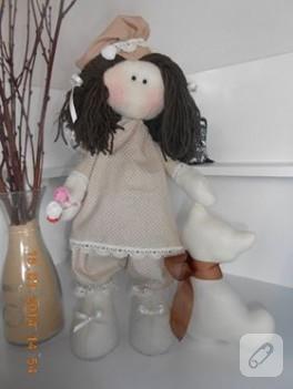 Tatlı kız ve kedisi – kumaş bebek