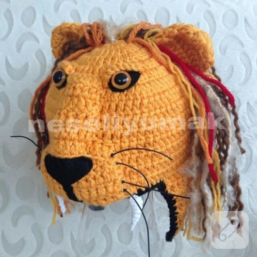 Örgü aslan bere