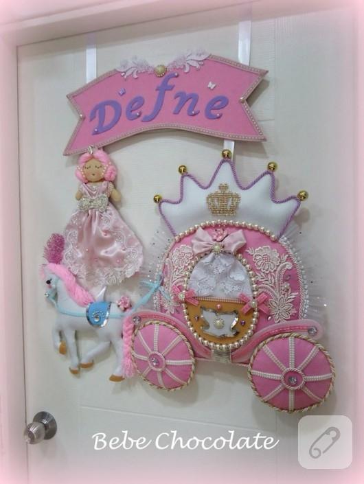 Prensesli kapı süsü