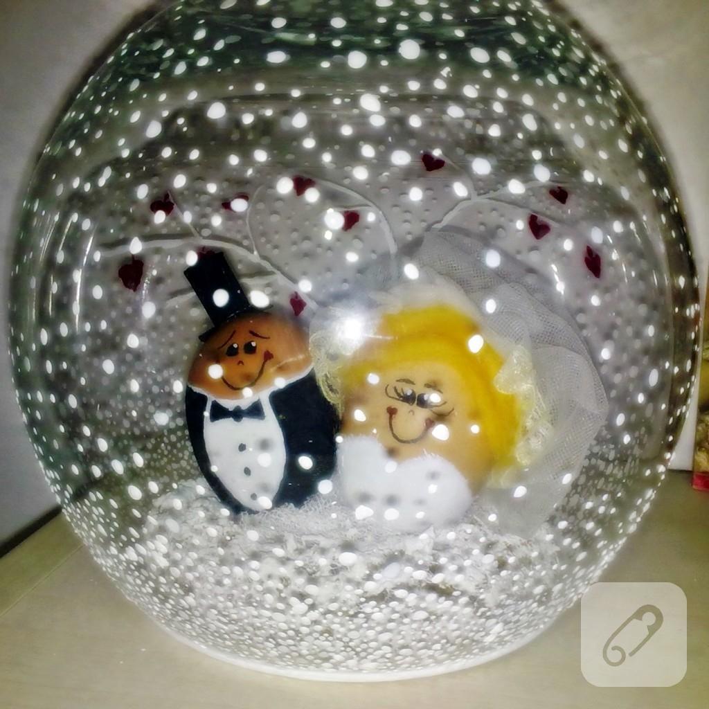 yumurta-kabugu-kar-kuresi-yapimi-13