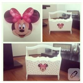 Ahşap boyama Minnie Mouse gazetelik