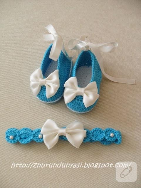 bebek-orguleri-kurdele-suslemeli-mavi-bebek-patigi