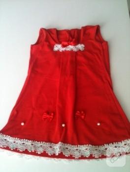 Eski tişörtten yapılmış çocuk elbisesi