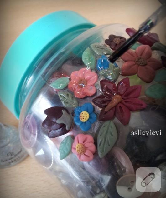 Polimer kilden çiçeklerle kutu süsleme