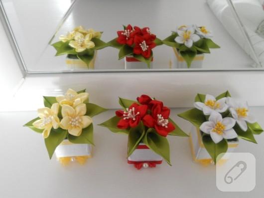 kurdeleden çiçek