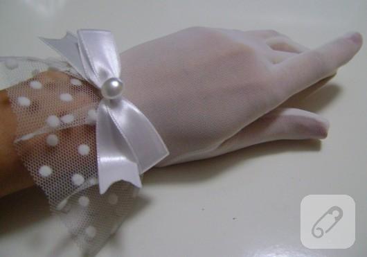 Beyaz tül eldiven