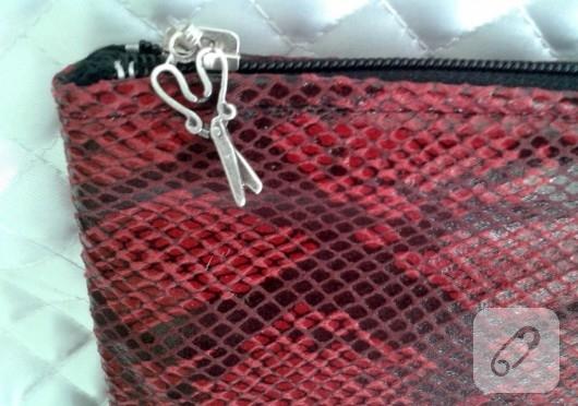 Yılan derisi desenli portföy çanta