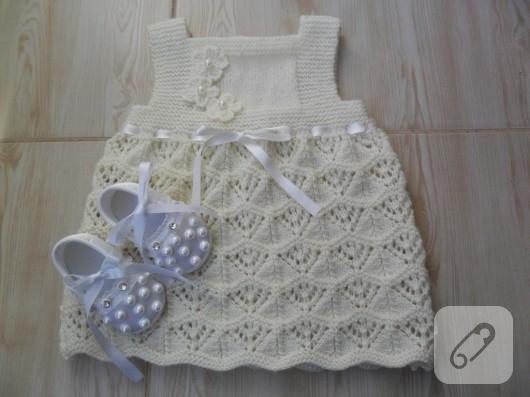 bebek-orguleri-beyaz-bebek-elbisesi