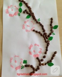 Çocuk etkinlikleri; kahve çekirdeğinden tablo