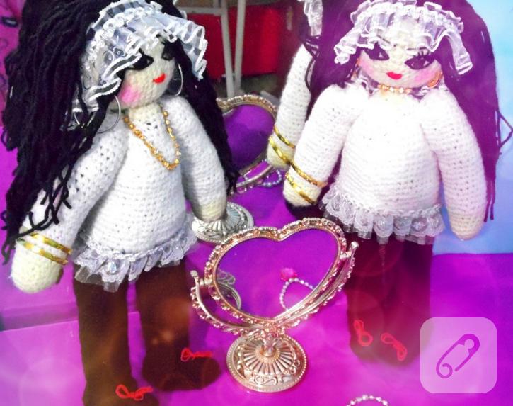 ikiz-gelinler-amigurumi-orgu-oyuncak-bebek