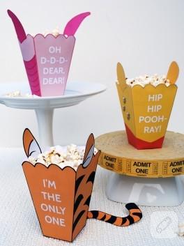Neşeli popcorn kutuları