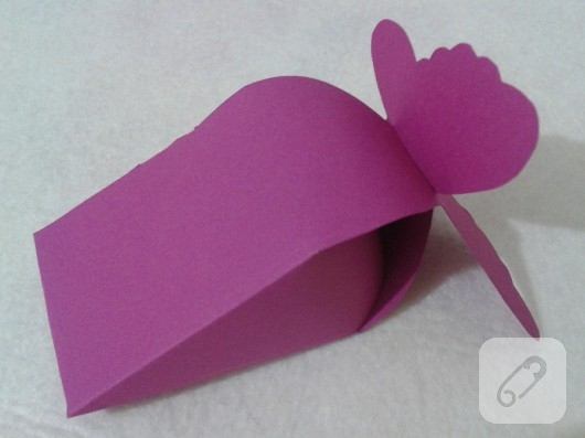 Kartondan kelebekli kutu yapımı