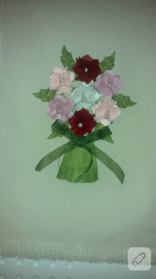 keçe çiçekli runner modeli
