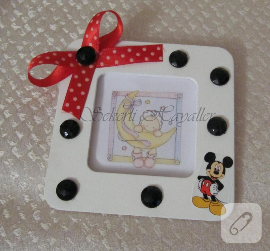 mickey-mouse-temali-cerceve-bebek-sekeri
