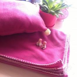 Polar battaniye ve ponponlu yastık